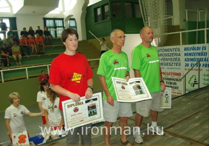 Ironman OB 2011: Hoór Anikó túl a tízen.